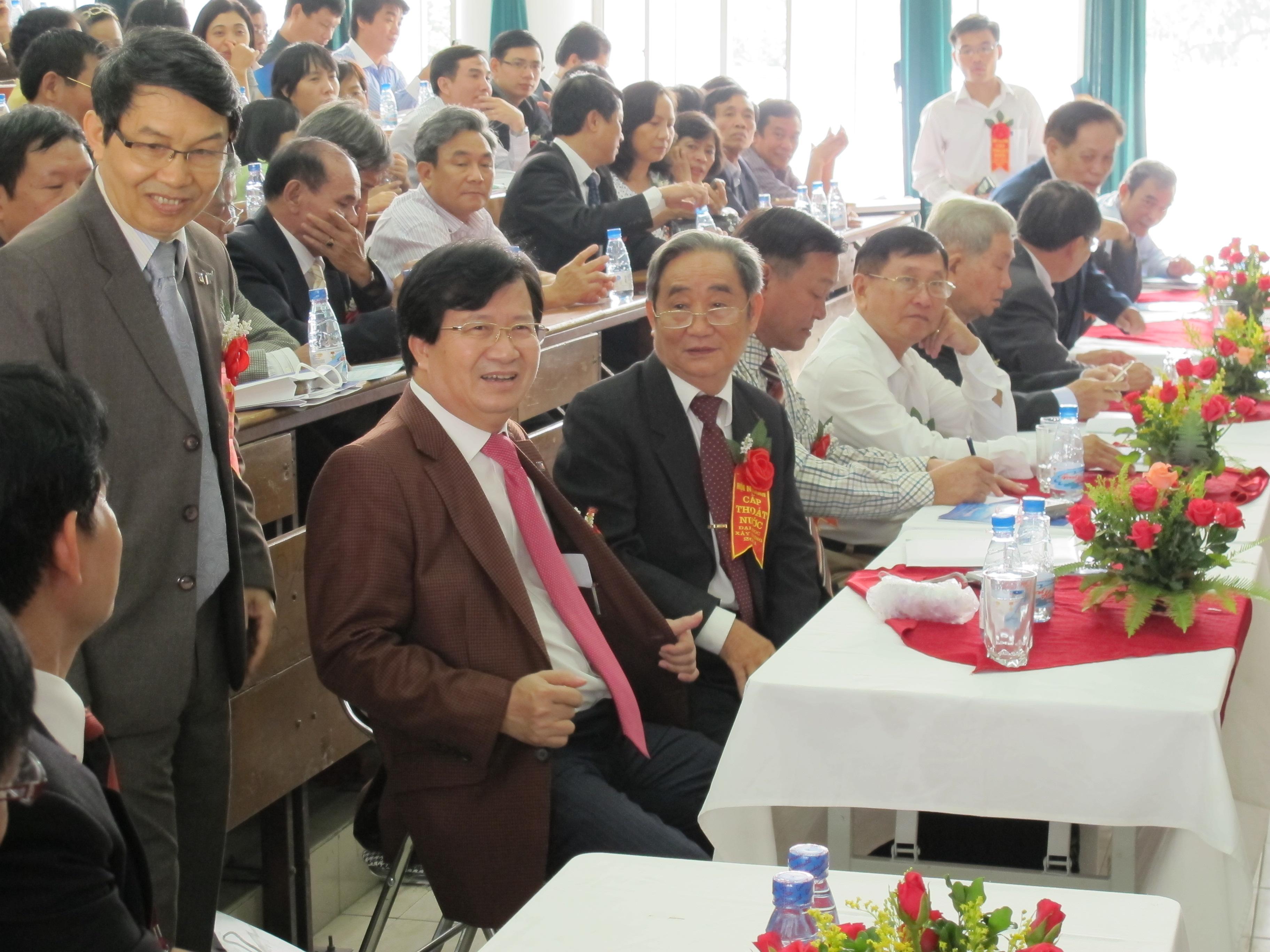Đ/c Trịnh Đình Dũng dự hội ngành năm 2011