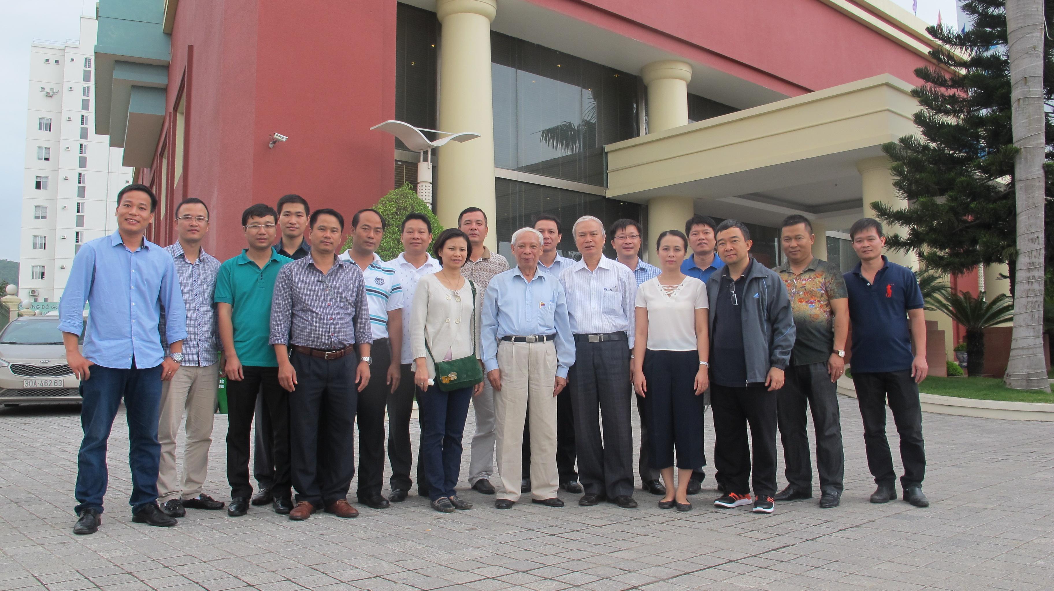 Các thầy, cô Bộ môn & sinh viên CTN tại Quảng Ninh