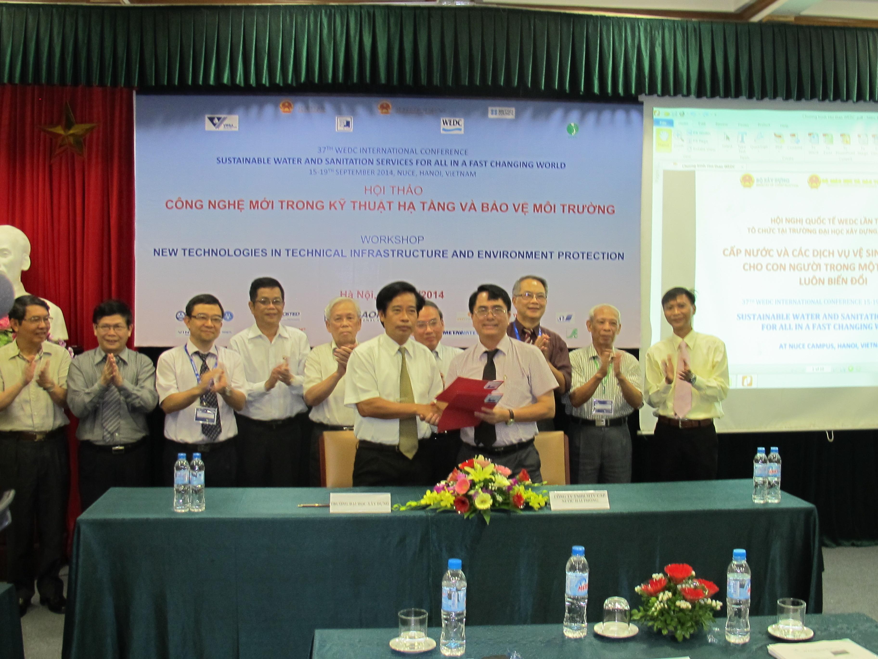 Ký kết thỏa thuận hợp tác toàn diện giữa ĐHXD với CT CN Hải Phòng