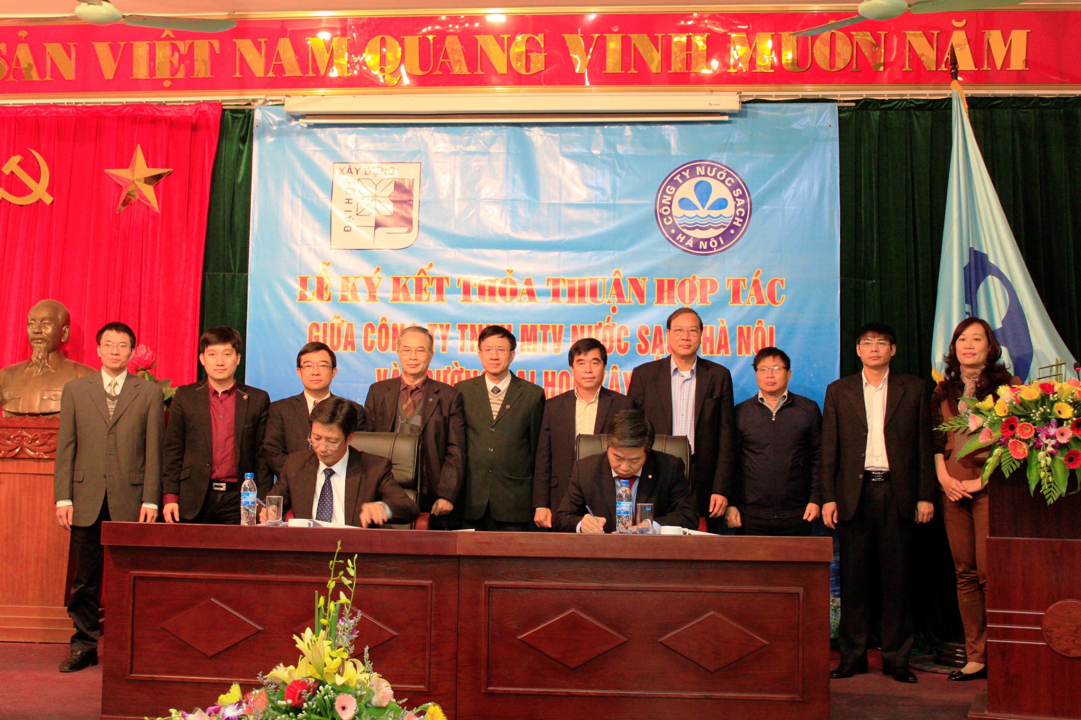 Ký kết thỏa thuận hợp tác toàn diện giữa ĐHXD với CT Nước sạch Hà Nội