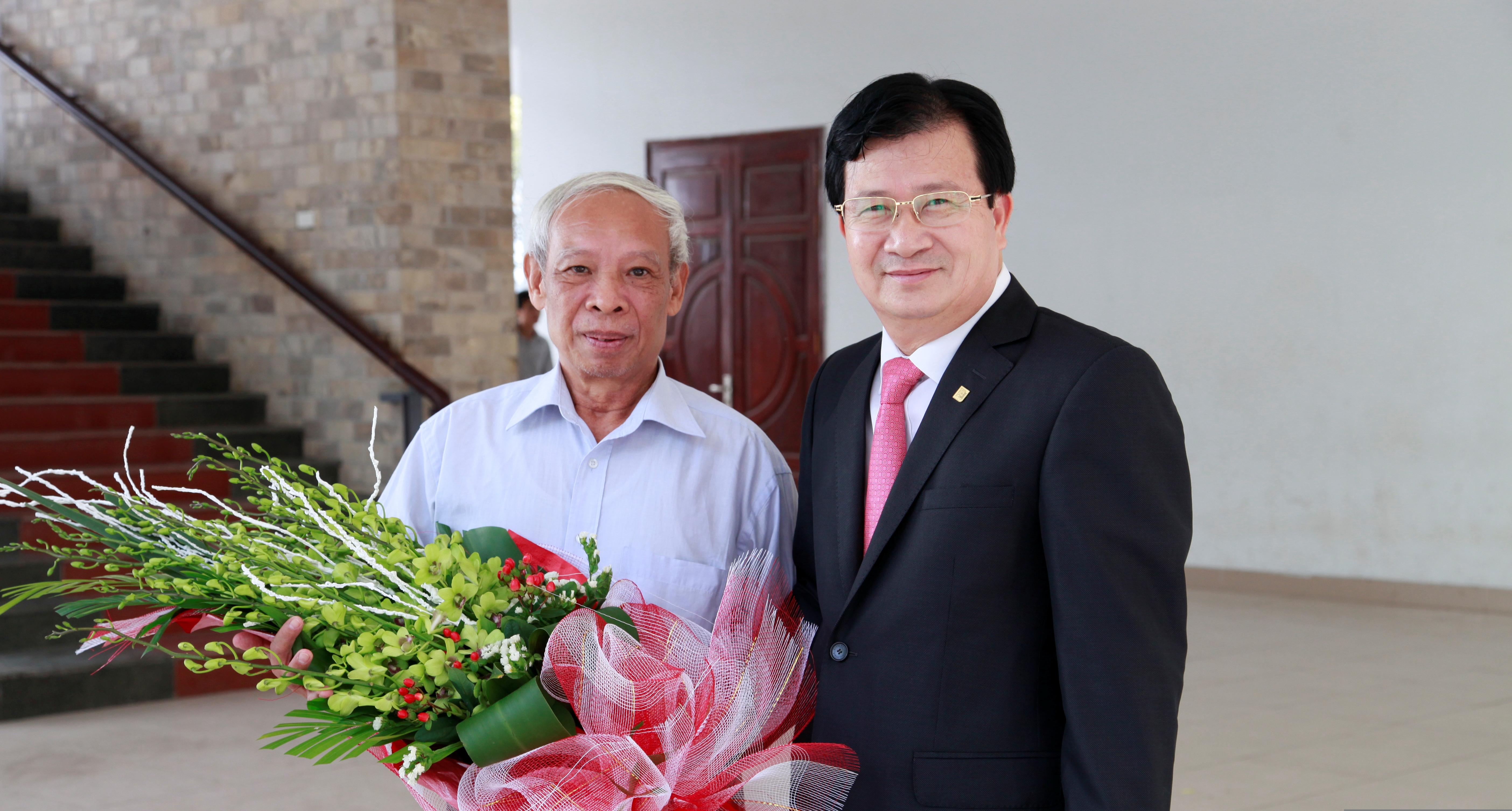 Thầy Trần Hiếu Nhuệ & Cựu SV Trịnh Đình Dũng